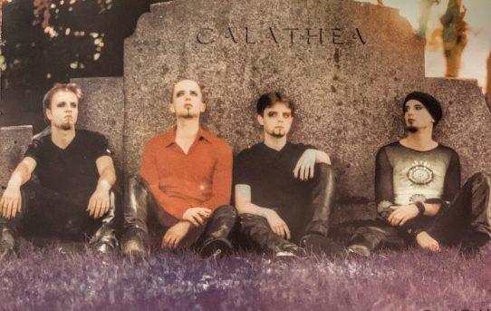CALATHEA - Nesnažíme se nic vyprávět, nikomu radit, ani nic řešit. Myslím, že nejlepší texty neříkají nic konkrétního