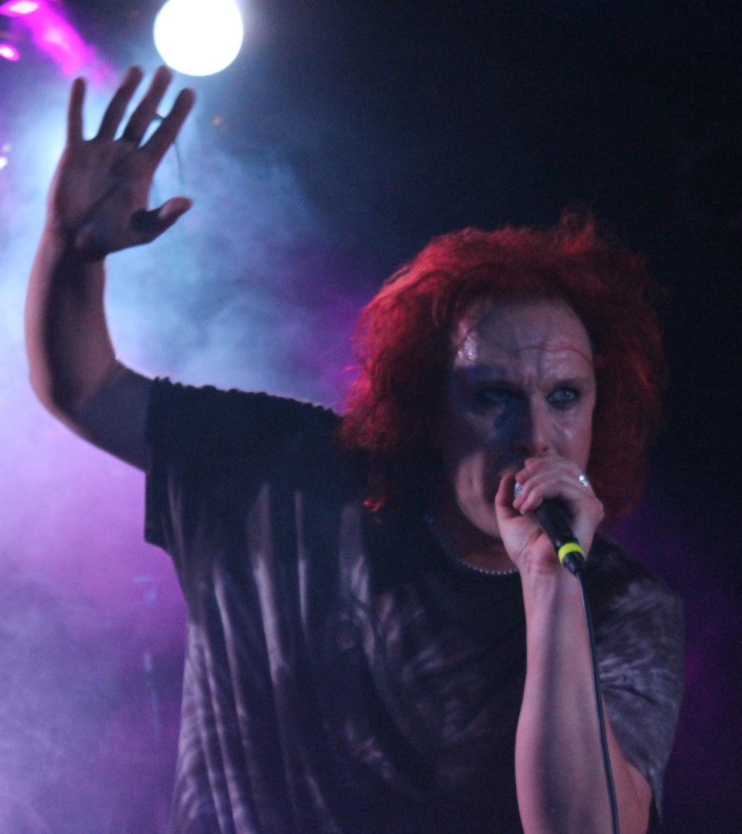 WALTARI – Futurum Music Bar, Praha (20. 11. 2015)