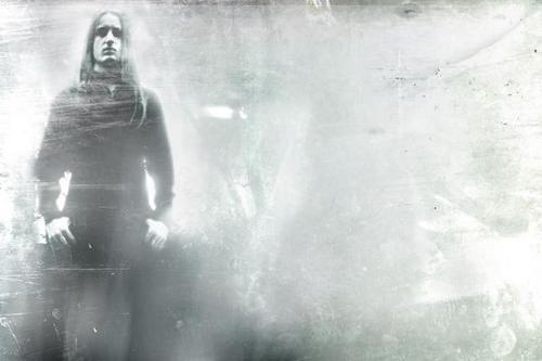 Black metal pod vlajkou helvétského kříže (DARKSPACE, MIRRORTHRONE, FOREST OF FOG)