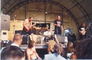 deflorace-na-brutalu-2001