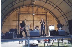 promises-na-brutalu-2001