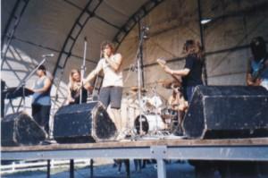 salamandra-na-brutalu-2001